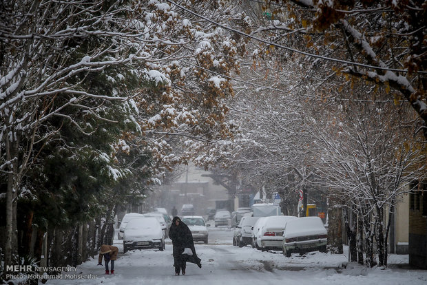 تساقط الثلج في المدن الإيرانية