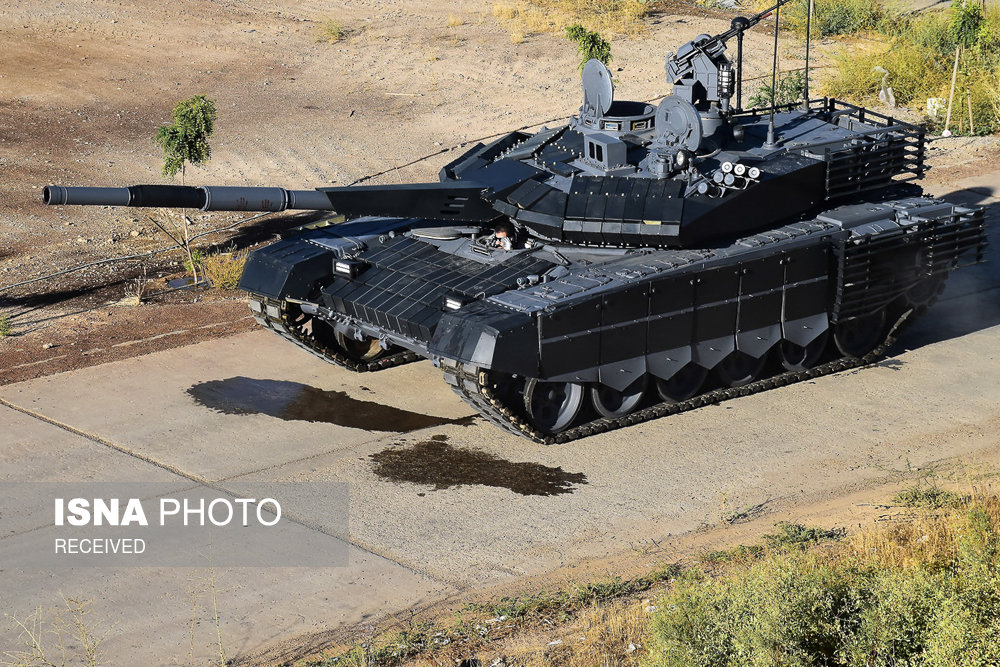 إزاحة الستار عن أول دبابة إيرانية متطورة ( صور)
