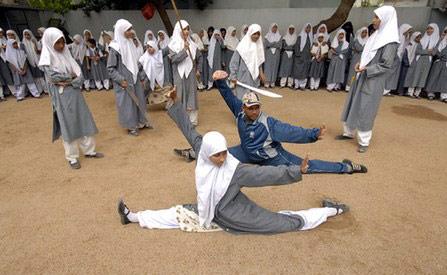 دختران با حجاب رزمی کار هندی