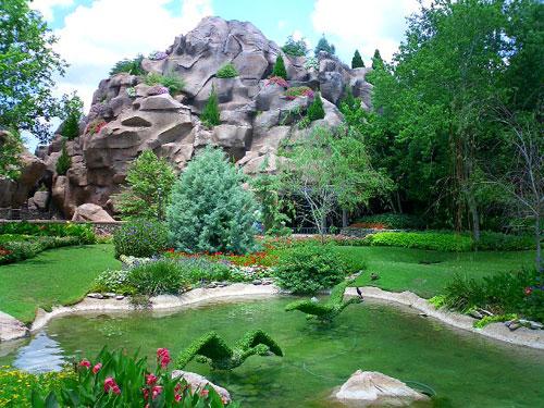 تصویری: زیباترین باغ دنیا