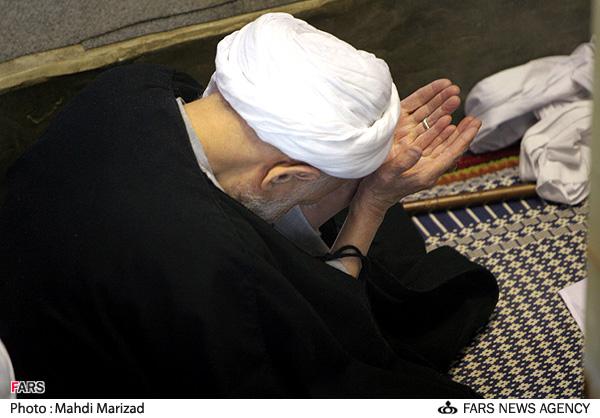 چگونه در نماز گریه کنیم ؟