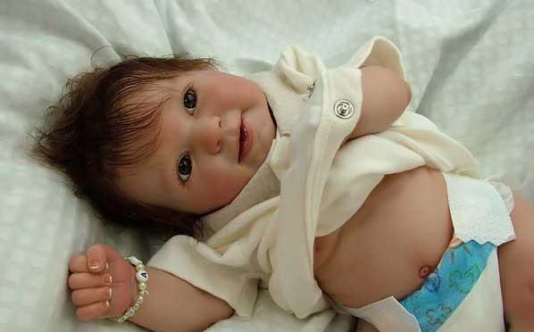 عروسک های شبیه نوزاد (تصویری)