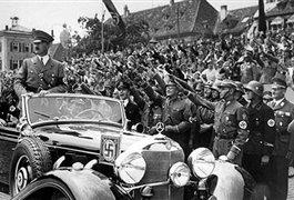 میلیاردر روسی مرسدس هیتلر را خرید+ عکس