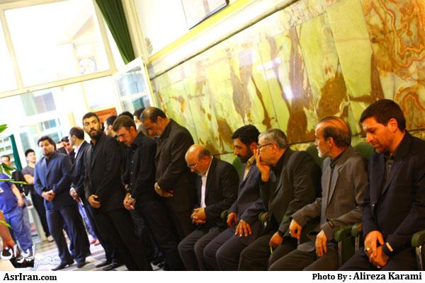 تصویری/حضور ورزشکاران و هنرمندان در مراسم ختم پدر علی انصاریان!