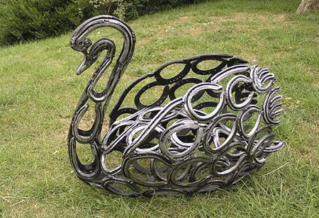 مجسمه های آهنی (تصویری)