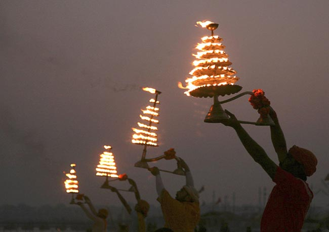 فستیوال آیینی در الله آباد هند