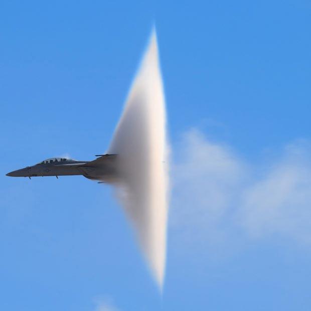 جنگنده اف 18