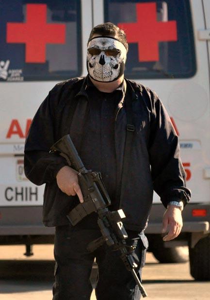 پلیس ماسك زده مکزیکی