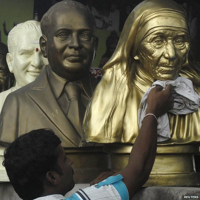 مجسمه مادر ترزا