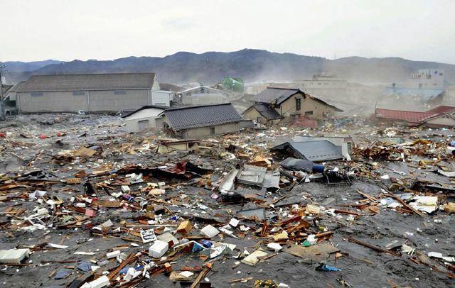 ژاپن وضعیت کشور ژاپن میزان خسارات زلزله عکس خبری عکس از زلزله ژاپن شدت زلزله سونامی سونامي ژاپن سونامي زلزله ژاپن زلزله چندین ریشتری زلزله مهیب زلزله قدرتمند خسارات زلزله ژاپن حوادث وحشتناک تلفات زلزله ژاپن تصاویر زلزله و سونامی وحشتناک ژاپن اتفاقات عجیب