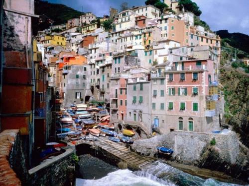 شهرهای رنگارنگ جهان (تصویری) www.TAFRIHI.com