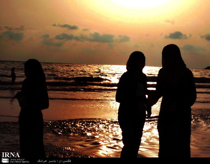 عکسهای شنای زنان لبنانی در سواحل مدیترانه