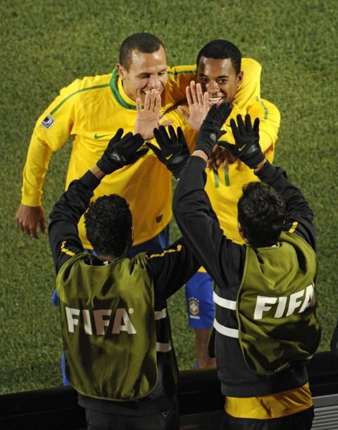 برزیل 3 - شیلی 0 (گزارش تصویری) www.TAFRIHI.com جام جهانی 2010