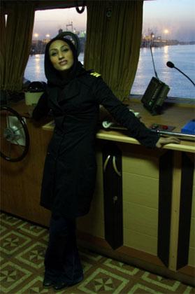 عکس زهرا سالاریه اولین زن دریانورد ایرانی