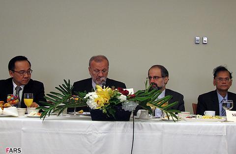 متكي در نشست وزراي عضو مجمع گفتگو همكاري آسيايي