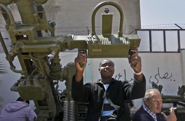 جوان انقلابی لیبیایی