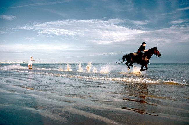 اسكي روي آب با استفاده از اسب
