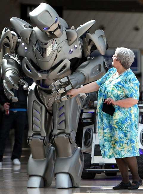 نمایش روبوت ها