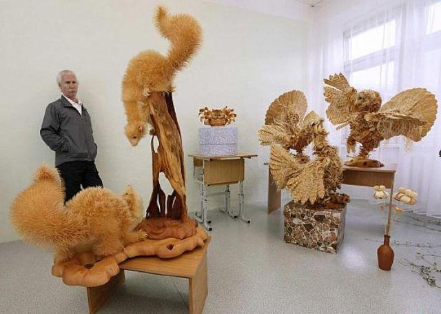 مجسمه های چوبی    WWW.PARSILIST.COM