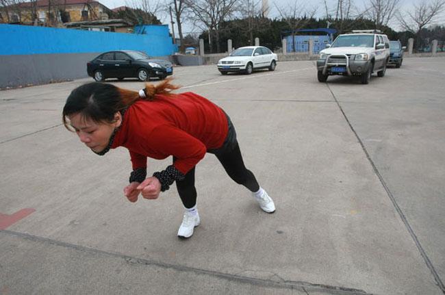 زن هنرمند چینی