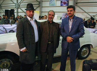 خریدار کاپشن احمدی نژاد