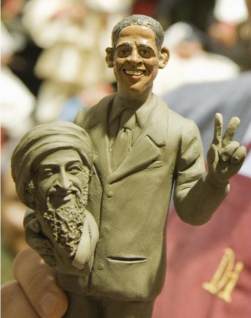 مجسمه اوباما و بن لادن