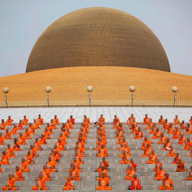 آیین مذهبی روز تولد بودا