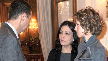 سفیر سوریه در پاریس . نفر وسط