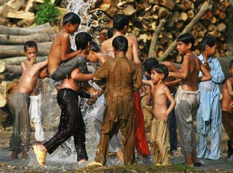 کودکان پاکستانی / عکس تزئینی است.