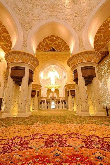 مسجد شیخ زاید ابوظبی با فرش ایرانی