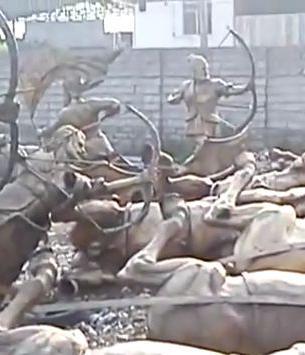مجسمه های تاریخی ساری بعد از تخریب