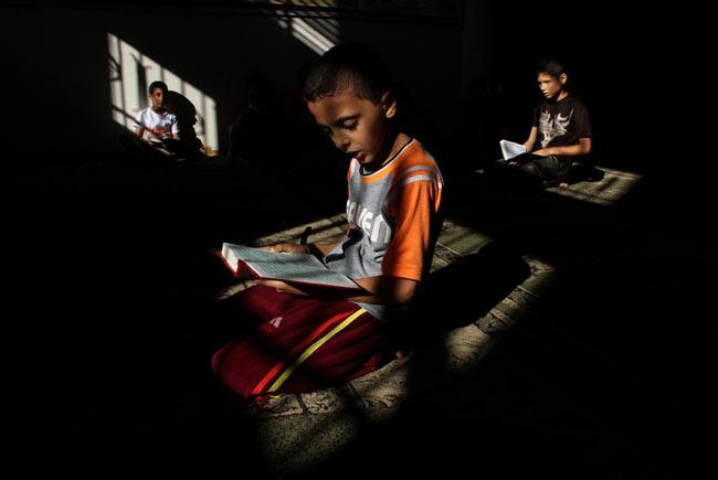 نوجوانان روزه دار فلسطینی