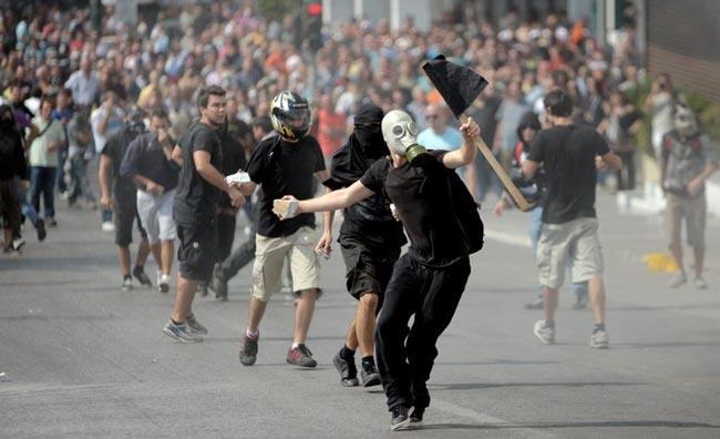 معترضان يوناني