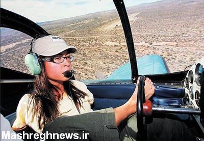 دختر خلبان بدون دست (عکس)