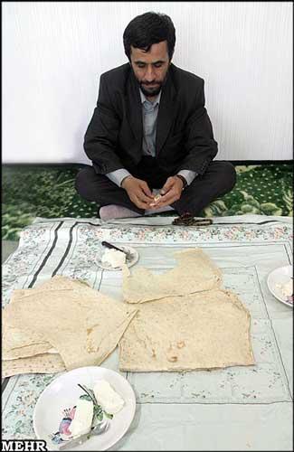 یک   عکس نه چندان قدیمی از احمدی نژاد