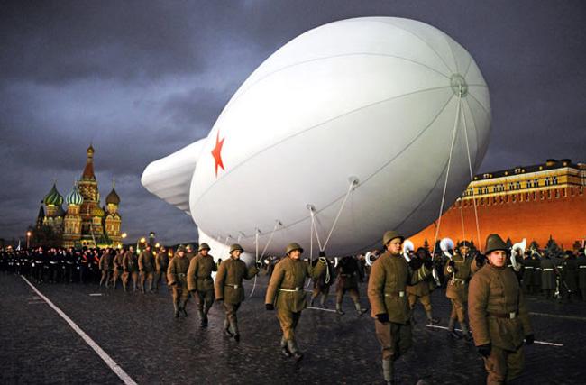 رژه سربازان روس