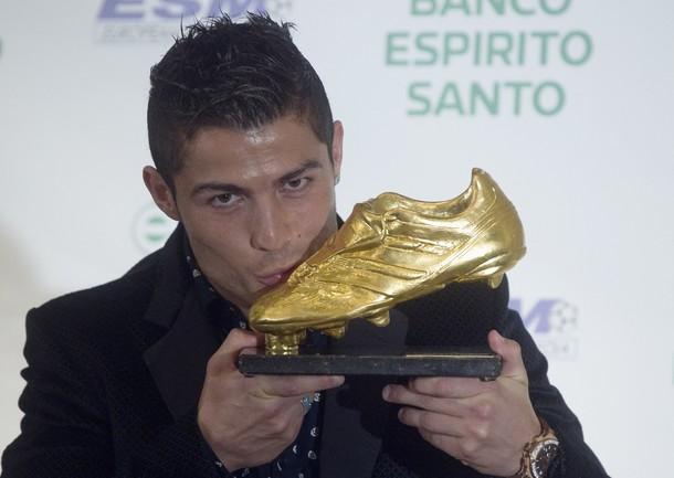 کفش طلا 2016