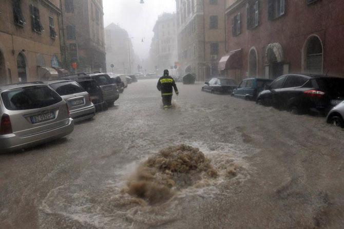 سیل بی سابقه در شهر جنوا ایتالیا