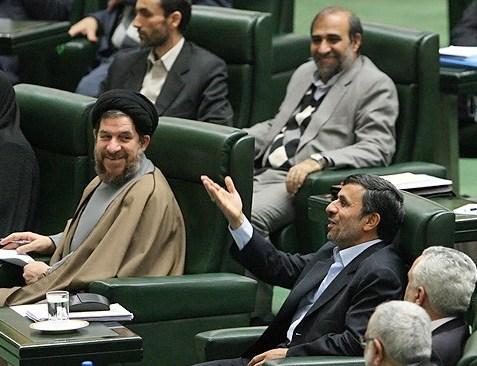 احمدی نژاد در جلسه سوال از رئیس جمهور