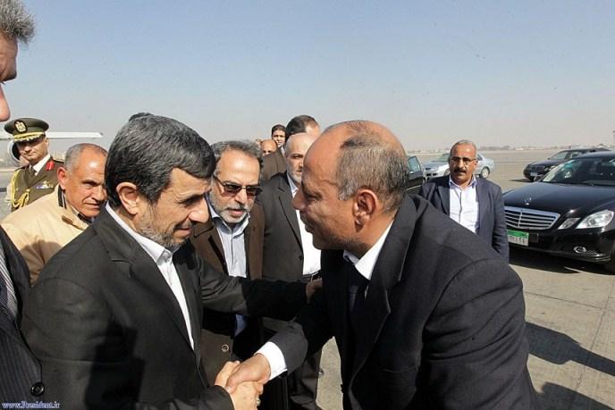 بدرقه احمدی نژاد - قاهره