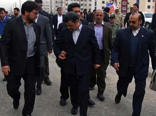 دست در جیب احمدینژاد! /عکس