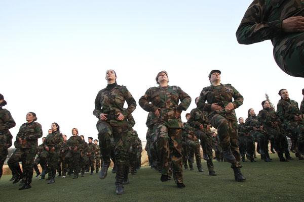 269094 374 - پادگان آموزش زنان فدایی سوریه (+عکس)