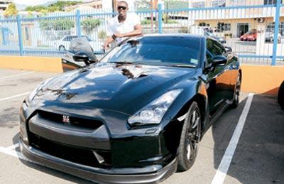 سریعترین انسان و اتومبیل جهان