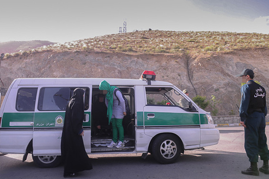 برخورد با بدحجابی در کوهستان (تصاویر)