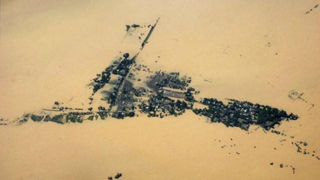 روستایی در هند زیر سیل مدفون شده است