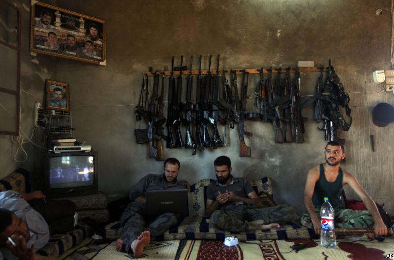 معارضان مسلح
