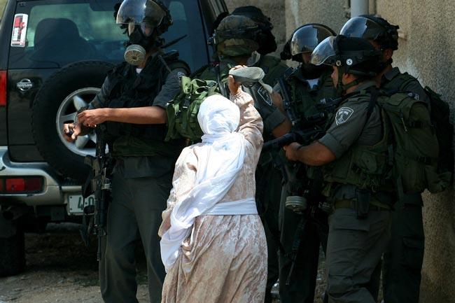 پیرزن فلسطینی