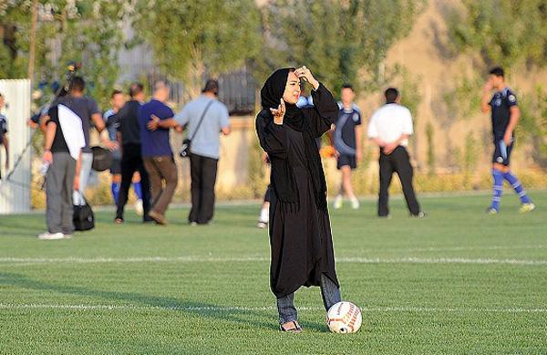241217 459 تصاویرنیکی کریمی در تمرین استقلال
