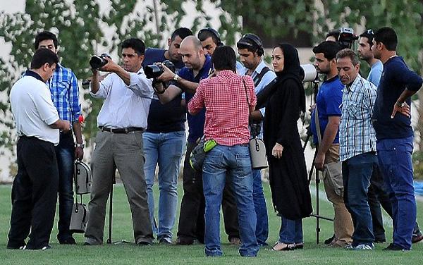 241218 810 تصاویرنیکی کریمی در تمرین استقلال