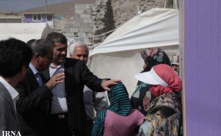 وزیر راه و شهرسازی در مناطق زلزله زده